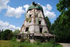 Landschap met de oude molen Royalty-vrije Stock Fotografie