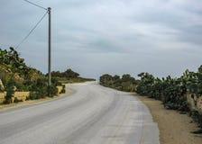 Landschap met Dingli-klippen en majestueuze meningen van de Middellandse Zee en het weelderige platteland, Malta stock foto