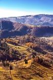 Landschap met een bergvallei Royalty-vrije Stock Afbeelding