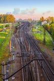 Landschap met een mening van de verweven takken van de spoorweg Royalty-vrije Stock Foto