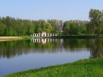 Landschap met een vijver in Nesvizh royalty-vrije stock afbeelding