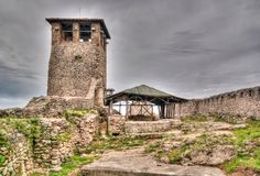Landschap met ru?nes van Kruje-kasteel, Albani? royalty-vrije stock foto's