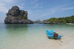 Landschap met tropische overzees en eilanden Stock Afbeelding