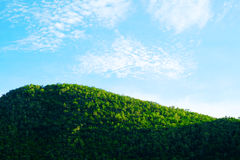 Landschap op berg met hemel Royalty-vrije Stock Afbeelding