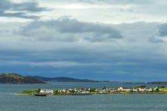 Landschap op de weg aan Gairloch, wester Ross stock foto's