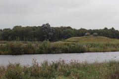 Landschap overvieuw door meer Royalty-vrije Stock Afbeeldingen