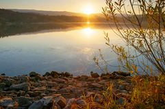 Landschap, prachtig kleurrijk meer royalty-vrije stock foto