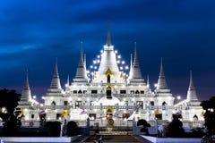 Landschap, Tempel wat asokaram, Thailand, in de Witte Pagode van Samut Prakan Azië 2017 op de rug van de hemel Royalty-vrije Stock Fotografie