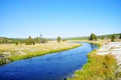 Landschap toneel van een geiserbassin in het Nationale Park van Yellowstone royalty-vrije stock fotografie