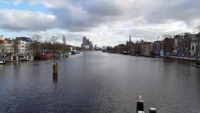Landschap van Amsterdam van de rivier stock footage