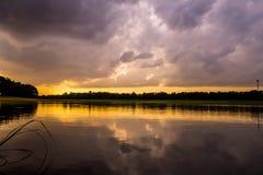 Landschap van Avond vóór zonsondergang Royalty-vrije Stock Fotografie