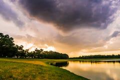 Landschap van Avond vóór zonsondergang Royalty-vrije Stock Afbeeldingen
