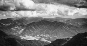 Landschap van Balkan Bergen, Bulgarije stock foto's