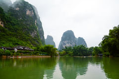 Landschap van bergen en rivieren Stock Foto