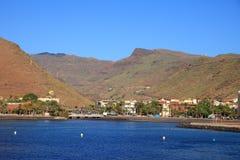Landschap van Canarische Eilandenhaven en stad San Sebastian stock afbeeldingen