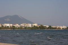 Landschap van Chalkida-stad, op het eiland van Evvoia in Griekenland wordt gevestigd dat Stock Afbeeldingen