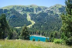 Landschap van de bergen van de Pyreneeën en het meer Royalty-vrije Stock Foto