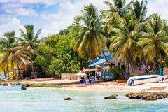 Landschap van de Caraïbische Zee, Bayahibe, La Altagracia, Dominicaanse Republiek Exemplaarruimte voor tekst Stock Foto