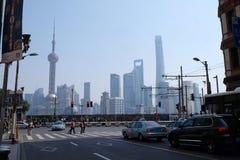 Landschap van de wolkenkrabbersgebouwen van het Lujiazui het financiële district in Shanghai Royalty-vrije Stock Foto's
