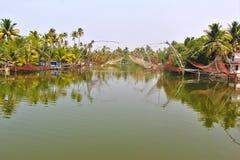 Landschap van fisherman& x27; s dorp in Thailand stock foto's