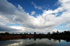 Landschap van gracht, Angkor Wat Stock Fotografie