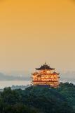 Landschap van hangzhou het beroemde chenghuangge van China in de avond Stock Afbeelding