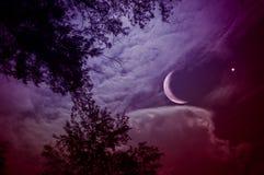 Landschap van hemel met toenemende maan en ster bij nacht Sereniteitsachtergrond royalty-vrije stock fotografie