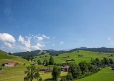 Landschap van het gebied Appenzell in Zwitserland in de zomer Stock Fotografie