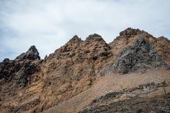 Landschap van het Tongariro het Nationale Park dichtbij het dorp en de Skitoevlucht van Whakapapa in de zomer Royalty-vrije Stock Afbeeldingen