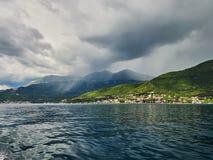 Landschap van Kotor-Baai in Montenegro Berg, overzees, aard royalty-vrije stock foto's