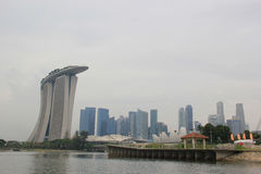 Landschap van Marina Bay Sands en Financieel District Stock Foto