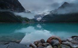 Landschap van Meer Louise, Canada stock foto's