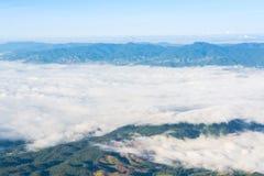 Landschap van mist De vroege Mist van de Ochtend Royalty-vrije Stock Afbeeldingen