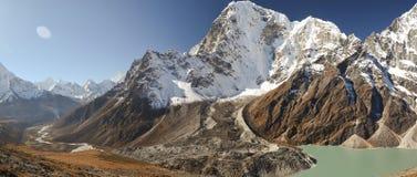 Landschap van Nepal Himalayagebergte Royalty-vrije Stock Foto's