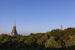 Landschap van pagode twee op de bovenkant van Inthanon-berg, Chiang Mai, Thailand Stock Foto