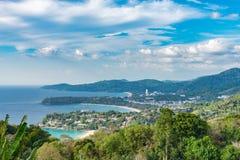 Landschap van Phuket-Meningspunt, Karon-Strand, Kata Beach, Genomen F royalty-vrije stock afbeelding