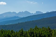 Landschap van Rila Mountan dichtbij, de Zeven Rila-Meren, Bulgarije Stock Afbeelding