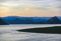 Landschap van Skadar-meer in Montenegro stock afbeelding