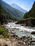 Landschap van trekkingsroute op zonneschijndag Stock Foto