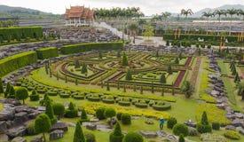 Landschap van tropisch park van Nong Nooch (Pattaya, Stock Foto's