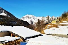 Landschap van Zwitserse Alpen in de winter Stock Foto