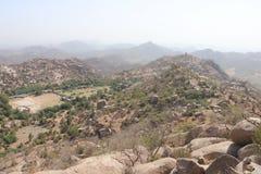 Landschap vanaf bovenkant van berg stock afbeeldingen