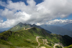 Landschap vanaf de bovenkant van de bergkabelwagen Aibga Rosa Khutor royalty-vrije stock foto's