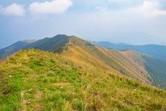Landschap vanaf de bovenkant van een berg Stock Foto's