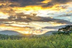 Landschap, zonnige dageraad in een berg 1 Royalty-vrije Stock Foto