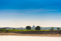 Landschap Zonsopgang op het gebied, Mandalay, Myanmar, Birma Exemplaarruimte voor tekst Royalty-vrije Stock Fotografie