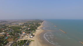 Landschaps overzeese oceaanhemelzonsondergang met de luxe Thailand van de yatchclub Royalty-vrije Stock Foto