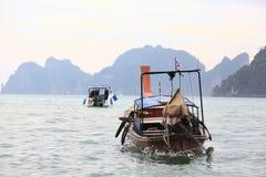 landschaps van de overzeese de boot Azië kajakexcursie op 05 JANUARI, 2015, in Phuket, Thailand Royalty-vrije Stock Afbeelding