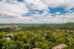 Landschapsmening over berg met hemel Royalty-vrije Stock Afbeelding