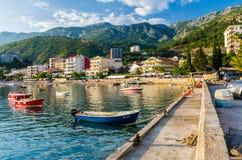 Landschapsmening over dijk in Montenegro Stock Foto